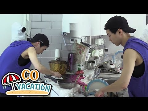 [Co-Vacation: Xiumin & Daniel] Xiumin's Really Good At Doing House Chores 20170910