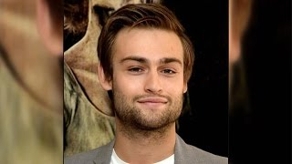 Hottie Douglas Booth Says He Is a 'Massive Romantic,' But Doesn't Believe in Love at First Sight