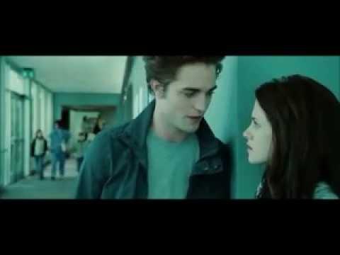 3. Crepúsculo - Edward salva a Bella y hablan en el hospital