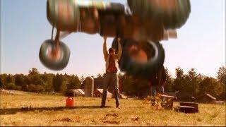 Clark Kent's Powers - Super Strength -- (Smallville - S2-3; E5)