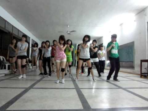 Lop hoc nhay hien dai Binh Thanh - Cry Cry Dance [BoBo's class].AVI