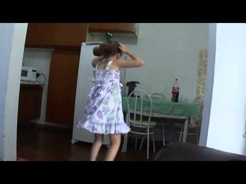 Baixar Carrossel -  Rebeca dançando Dig Dim ( Mc Jenny )