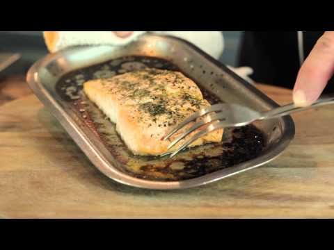 How to Bake Salmon in the Oven : Making Meals Delicious - cookingguide  - a6EBs6dR-bM -