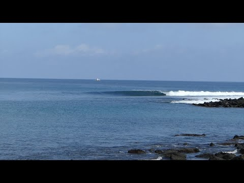 Surf in Galapagos, friendship and lonely waves, By Kepa Acero