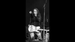 Jessica Lynn (live in France) Turn The Key/You Shook Me All Night Long © Jan Vervaeke