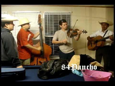 Angel Barreto con Violin y Tololoche
