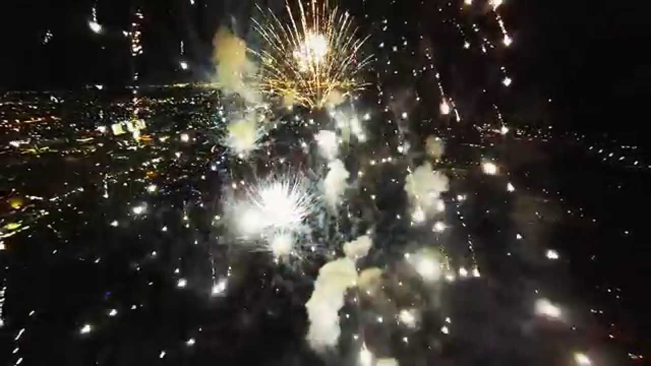 Feux d'artifices filmés par un drone