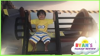 Minion Hotel Room tour at Universal Studio and gift shopping! Family Fun Trip with Ryan's Family Rev