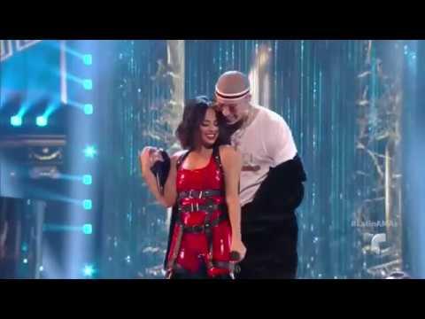 Mayores - Becky G & Bad Bunny (EN VIVO Y SE BESAN)