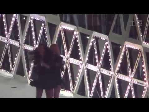 141018 SMTown Shanghai ending  (SNSD fancam)