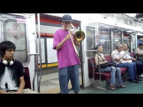 Músicos callejeros Jazz en trombón y Contrabajo