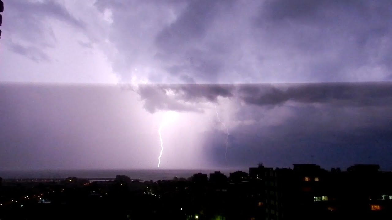 10 hours of rain and thunder sounds in a lightning storm