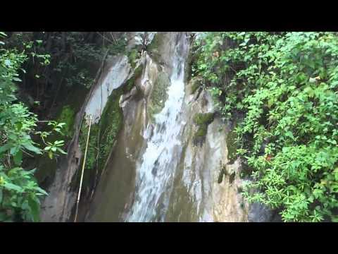 Lugar llamado el chorro del agua de los palenques San Agustin Amatengo.