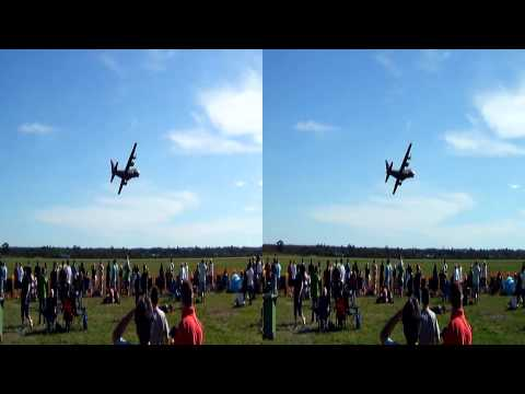 Pearce Air Show in 3D or 2D