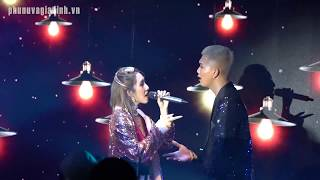 Emily và Big Daddy vừa hát vừa hôn nhau cực tình cảm trên sân khấu