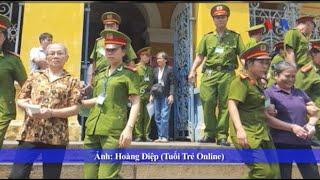 3 phụ nữ giương cờ Việt Nam Cộng hòa bị 10 năm tù