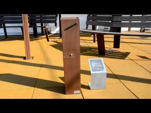 Grisverd, mobiliario urbano sostenible en Municipalia 2011.wmv