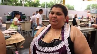 Одесский рынок Привоз – продавщица рыбы