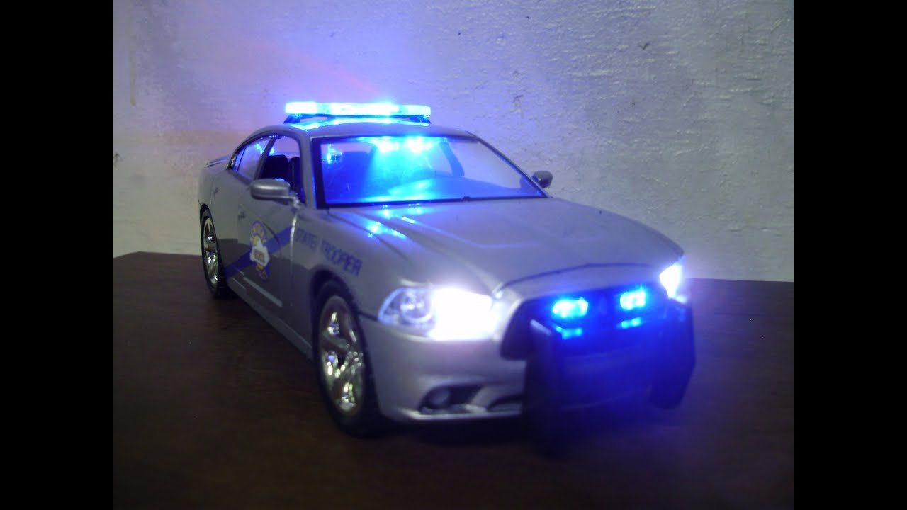 Car Tail Lights >> Custom 1:24 KENTUCkY STATE POLICE Dodge Charger w/ working ...