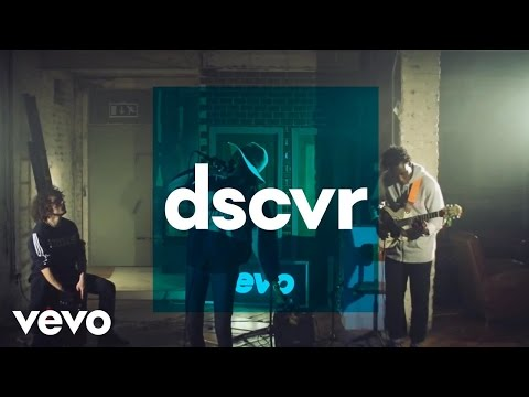 Little Simz - The Hamptons (Live) - dscvr ONES TO WATCH 2015