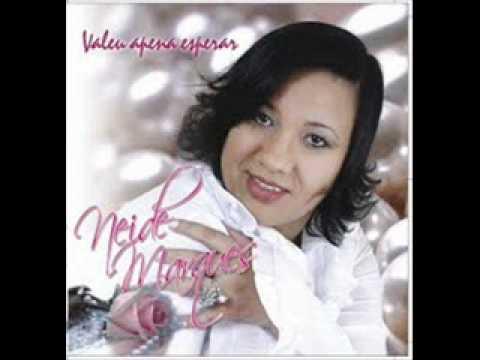 Baixar Cantora Neide Marques (Algo diferente vai acontecer)