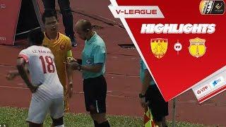 Thoát thua sau tình huống bóng qua vạch vôi, Thanh Hóa chật vật đả bại Nam Định   VPF Media
