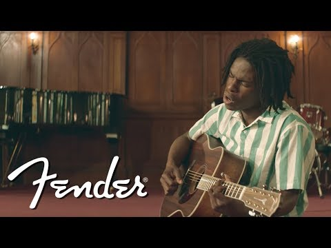 Daniel Caesar Performs