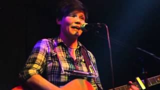 Grace Petrie - 'A Revolutionary in the Wrong Time' (live acoustic) Cricketers, Kingston, London