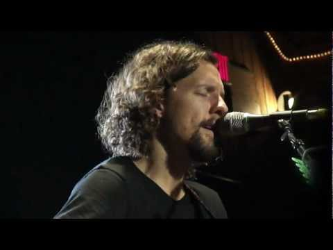 Baixar Jason Mraz - Living In The Moment (with Toca at Belly Up 12/3/11)