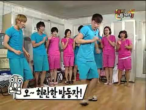 Super Junior - Leeteuk & EunHyuk Dance Battle (Funny Dance)