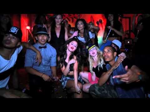 Перевод текста песни Birthday исполнителя (группы) Selena Gomez. 3. 4....