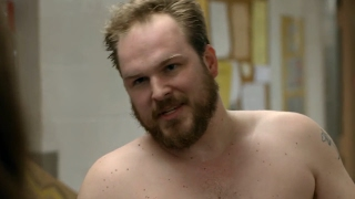 Matt Peters shirtless scene [Orange Is The New Black S03E02] aka Joel Luschek