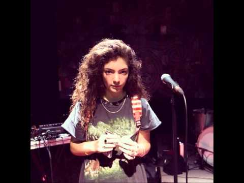 Baixar Lorde singing