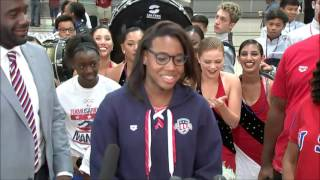 After Olympics gold medal win, swimmer Simone Manuel returns to Texas