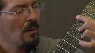 César Sánchez, guitarrista ecuatoriano