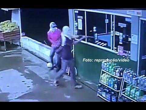 Câmeras de segurança registram assalto em posto na região