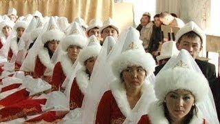 Massenhochzeit in Kirgisistan