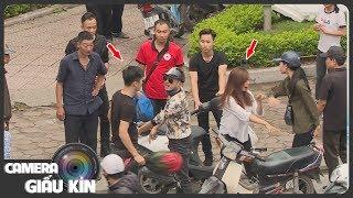 Soái ca áo đen 'khô máu' bảo vệ người đẹp bị cướp hành hung | Kỹ năng sống | Camera giấu kín
