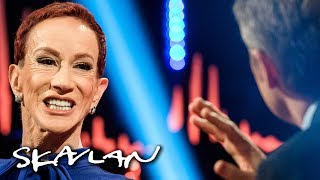 Kathy Griffin on why she reluctantly apologized for Trump «beheading» | Skavlan
