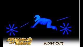 UDI Dance: AMAZING Russian Group Tell a Story Through LIGHT!  | America's Got Talent 2018