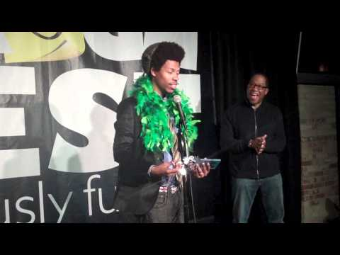 Comedian Mike E. Winfield wins $10K at Gilda's LaughFest - YouTube
