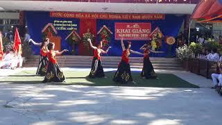 Liên khúc Hoa rơi- Son 11a6-k18-Nguyễn Diêu
