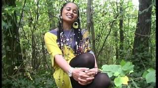 """Hanisha Solomon - Ayyoo (Mother) """"አዮ"""" (Oromiffa)"""