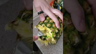 How to pull apart a pineapple ..