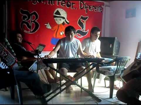 Banda Loka - Entre El Cielo Vos Y Yo (Acustico)