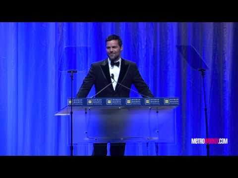 Ricky Martin speaks at the 2010 HRC Dinner - YouTube