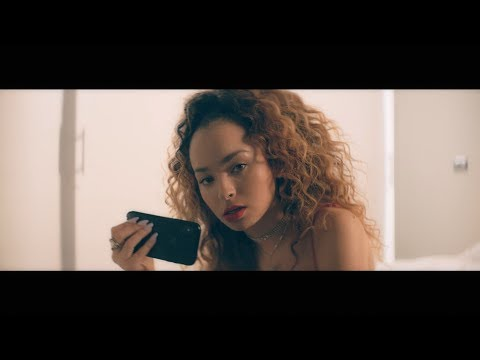 Banx & Ranx + Ella Eyre - Answerphone ft. Yxng Bane (Official Video)