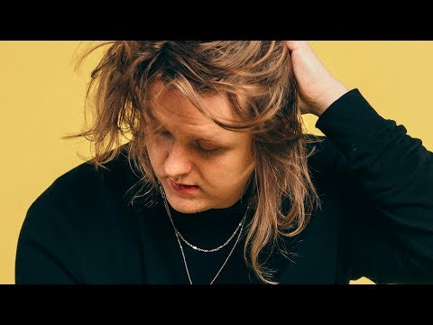 Lewis Capaldi - Fade (Live) - dscvr ARTISTS TO WATCH 2018