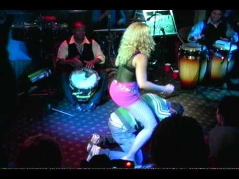 Chicas Rolands Rebane en Palmeras Disco, Feb 3, 2012