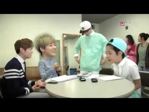F(x) Amber, U-KISS Kevin singing